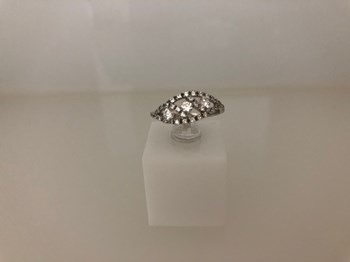 RING WHITE GOLD AND ZIRCONS N06S2981