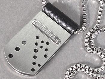 Médaille pendentif acier DIESEL DXX0294040