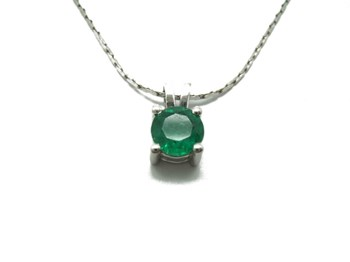 PENDANT WHITE GOLD AND EMERALD B-79 C-176