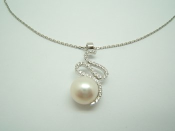 PENDANT WHITE GOLD AND PEARL C-86 B-79