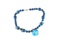 COLLAR SHORT KNOTTED BLUE AGATE WITH PENDANTS OF LABRADORITE C226 PATRICIA GARCIA