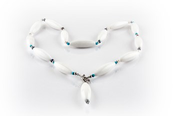 White jade and cultured pearl necklace