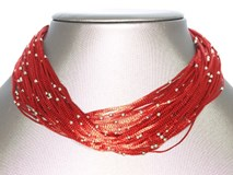 Fils de collier rouge