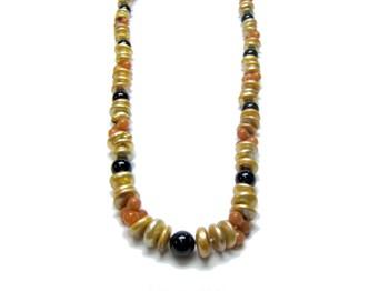 Collar de perlas de color champany