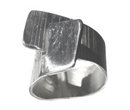 Ring in silver from the collection paths. Measured finger contour No. 18 FP A47 - P Fili Plaza FP A47-P