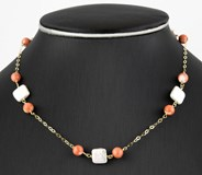 CHOKER YELLOW GOLD WITH NATURAL CORALS, OF 6,80 MM (APPROX) OF DI�METRO AND CULTURED PEARLS FRESH WATER WITH SQUARE SHAPE DSC3741-G