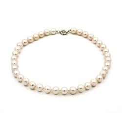 Collar de Perlas cultivadas naturales con cierre de Plata de primera Ley 1501/7700