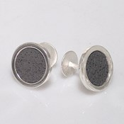 CUFFLINKS ARE STERLING SILVER, WITH A MOTIF TEXTURED AND SATIN FINISH AND BRIGHTNESS. CRESBER