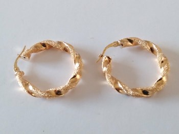 EARRINGS GOLD HOOPS OF LAW