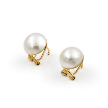 EARRINGS OF YELLOW GOLD OF 750 THOUSANDTHS (18 KT) WITH CULTURED PEARLS MABE OF 11,50 MM