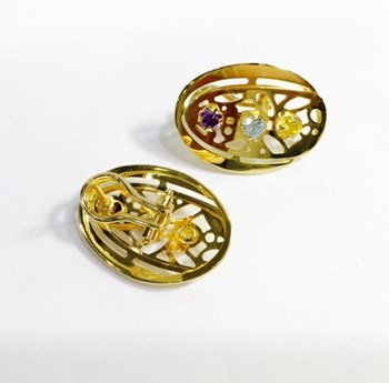 EARRINGS GOLD STONES COLOR