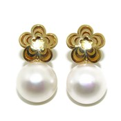 EARRINGS OF YELLOW GOLD OF 18KTES WITH CULTURED PEARL 10MM NEVER SAY NEVER