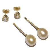 Pendientes desmontables! de oro amarillo de 18Ktes, perla cultivada de 9-9.5mm y circonitas Never say never