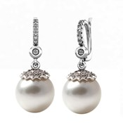 EARRINGS WHITE GOLD 18 KT WITH DIAMONDS OF 0.28 CT, AND AUSTRALIAN PEARLS OF 12-12,5 MM CRESBER