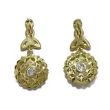 EARRINGS FILIGREE CLASSIC 18K YELLOW GOLD WITH 2 ZIRCONS OF THE BEST QUALITY NEVER SAY NEVER