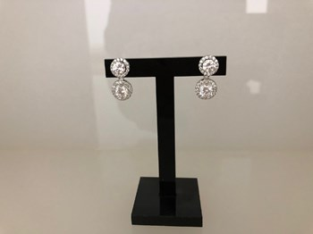 BOUCLES D\'OREILLES EN OR BLANC ET ZIRCONS BRILLANTS 21494WA 45A14396