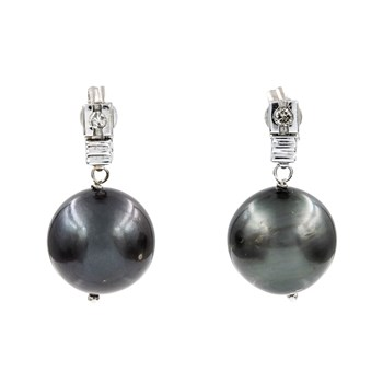 EARRINGS MADE IN WHITE GOLD 750 THOUSANDTHS (18KT) IN DESIGN