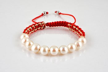 Cultured pearls and Tibetan knot bracelet
