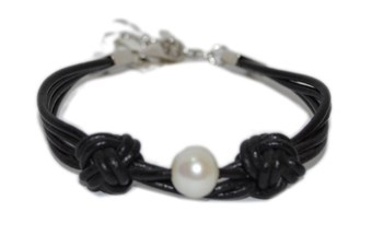 SALVATORE LEATHER AND PEARL BRACELET Salvatore Plata 68P0034