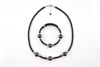 Combined Set necklace and bracelet pearls in sterling silver grey