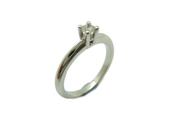 WHITE GOLD DIAMOND SOLITAIRE RING B-79 A-358