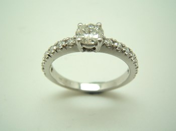 RING SOLITAIRE WHITE GOLD B-79