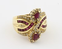Sortija con rubi y diamantes LevoS1042