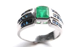 RING OF EMERALD AND SAPPHIRES 18K WHITE GOLD