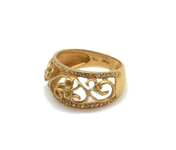 Gold Ring 18 ktes with 22 stones