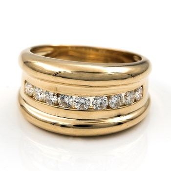 RING OF YELLOW GOLD WITH 9 DIAMONDS BRILLIANT SET OF 0,90 KTS IN TOTAL - SIZE N� 15 (IT IS). DSC8170-T