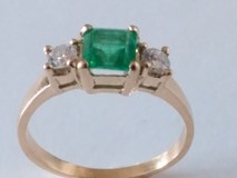 RING EMERALD AND DIAMONDS 18K GOLD
