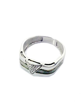 18 CARAT WHITE GOLD RING.