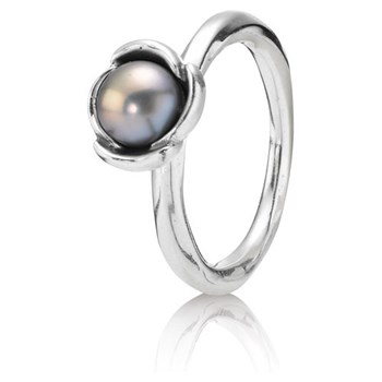 Pandora Pearl flower ring