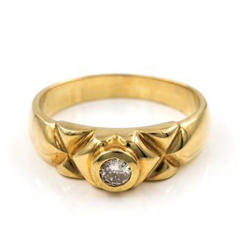 RING MADE IN YELLOW GOLD, 750 THOUSAND�SIMAS (18KT) WITH A CENTRAL DIAMOND BRILLIANT CUT R/6703