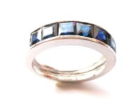 RING WITH SAPPHIRES IN WHITE GOLD